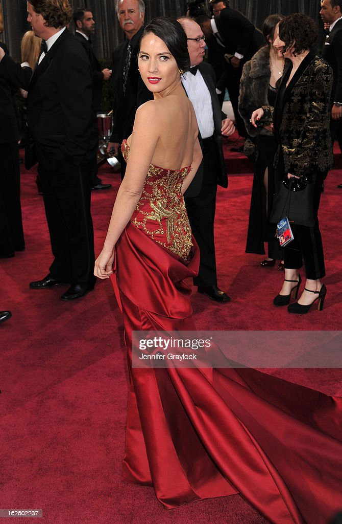 Actress Olivia Munn ttends the 85th Annual Academy Awards held at the Hollywood & Highland Center on February 24, 2013 in Hollywood, California.