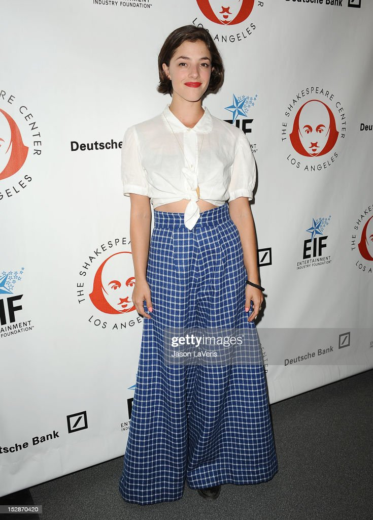Actress <a gi-track='captionPersonalityLinkClicked' href=/galleries/search?phrase=Olivia+Thirlby&family=editorial&specificpeople=669904 ng-click='$event.stopPropagation()'>Olivia Thirlby</a> attends the Shakespeare Center of Los Angeles' 22nd annual 'Simply Shakespeare' event at Freud Playhouse, UCLA on September 27, 2012 in Westwood, California.