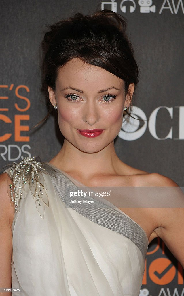 Actress Olivia Wilde arrives at the 2010 People's Choice Awards at Nokia Theatre L.A. Live on January 6, 2010 in Los Angeles, California.