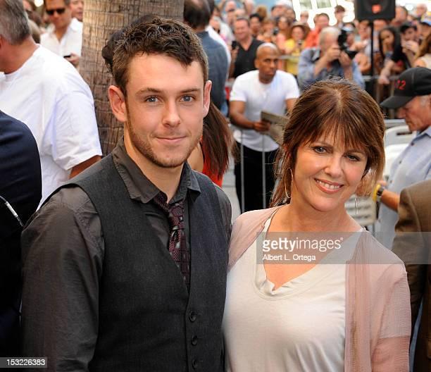 Pam Dawber with his son Sean Harmon?