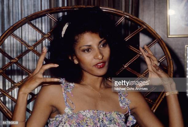 Actress Pam Grier poses for a photo on May 20 1977 in Los Angeles California