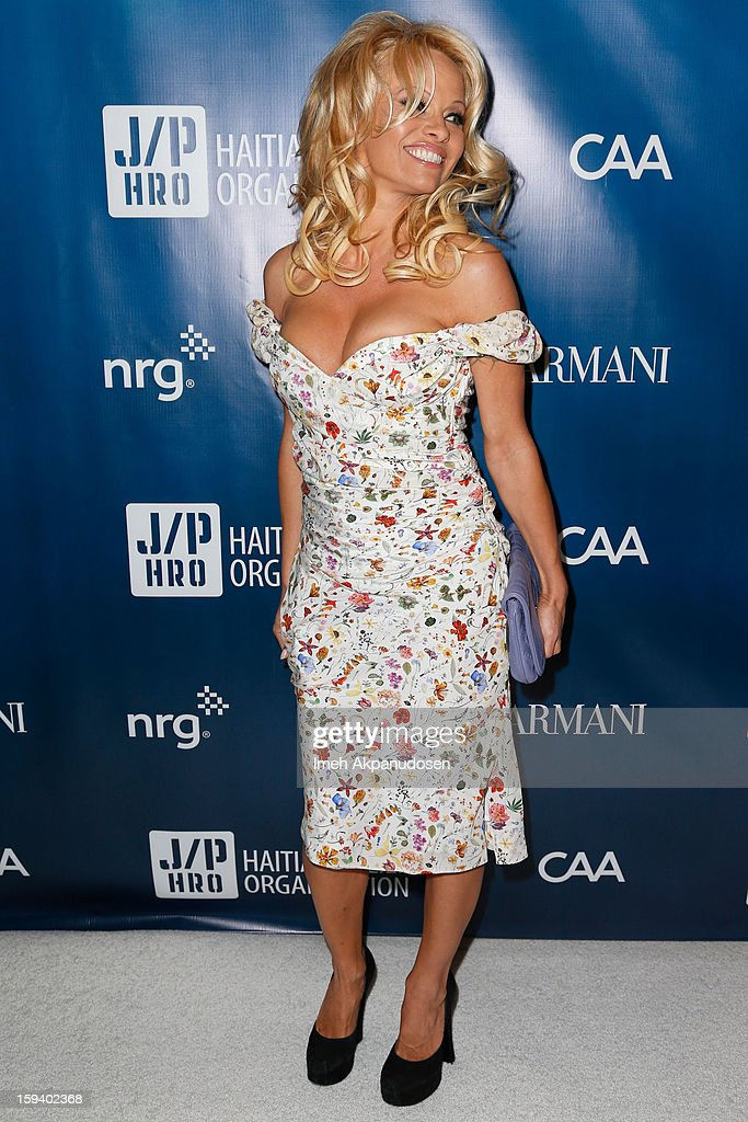 Actress <a gi-track='captionPersonalityLinkClicked' href=/galleries/search?phrase=Pamela+Anderson&family=editorial&specificpeople=171759 ng-click='$event.stopPropagation()'>Pamela Anderson</a> attends the 2nd Annual Sean Penn and Friends Help Haiti Home Gala benefiting J/P HRO presented by Giorgio Armani at Montage Hotel on January 12, 2013 in Los Angeles, California.