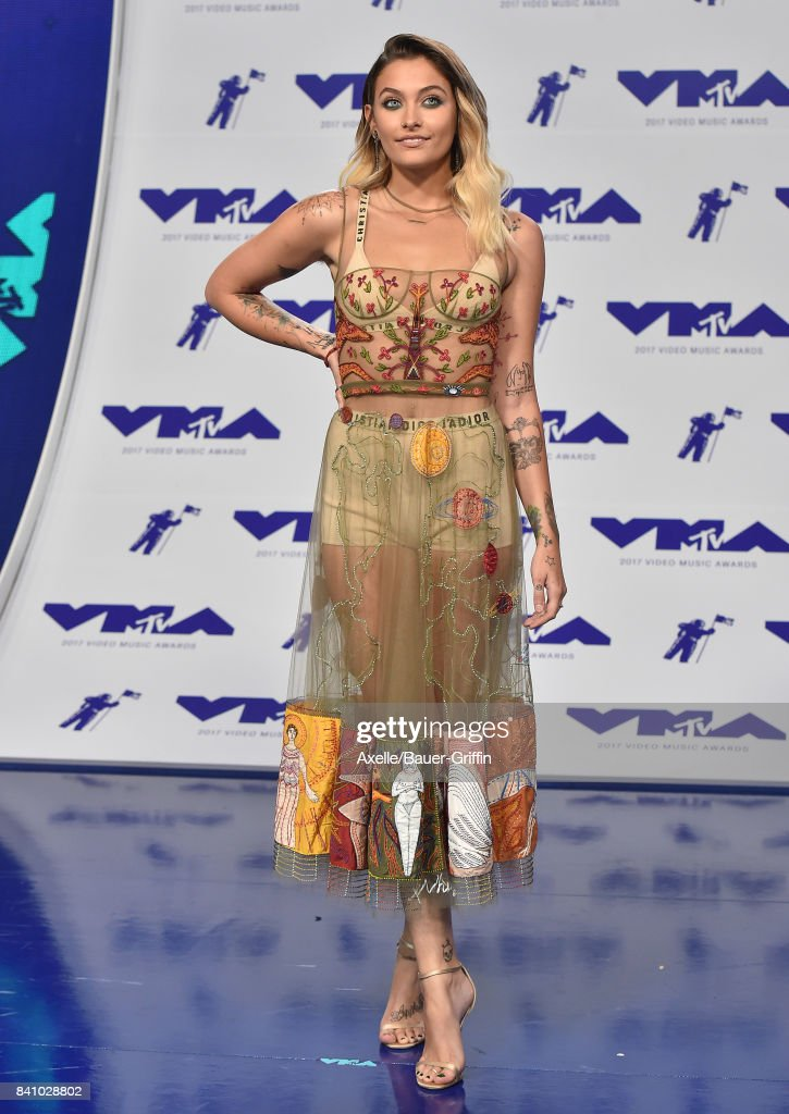 Actress Paris Jackson arrives at the 2017 MTV Video Music Awards at The Forum on August 27, 2017 in Inglewood, California.