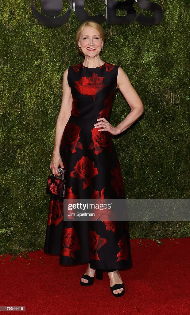 Actress <a gi-track='captionPersonalityLinkClicked' href=/galleries/search?phrase=Patricia+Clarkson&family=editorial&specificpeople=202994 ng-click='$event.stopPropagation()'>Patricia Clarkson</a> attends American Theatre Wing's 69th Annual Tony Awards at Radio City Music Hall on June 7, 2015 in New York City.