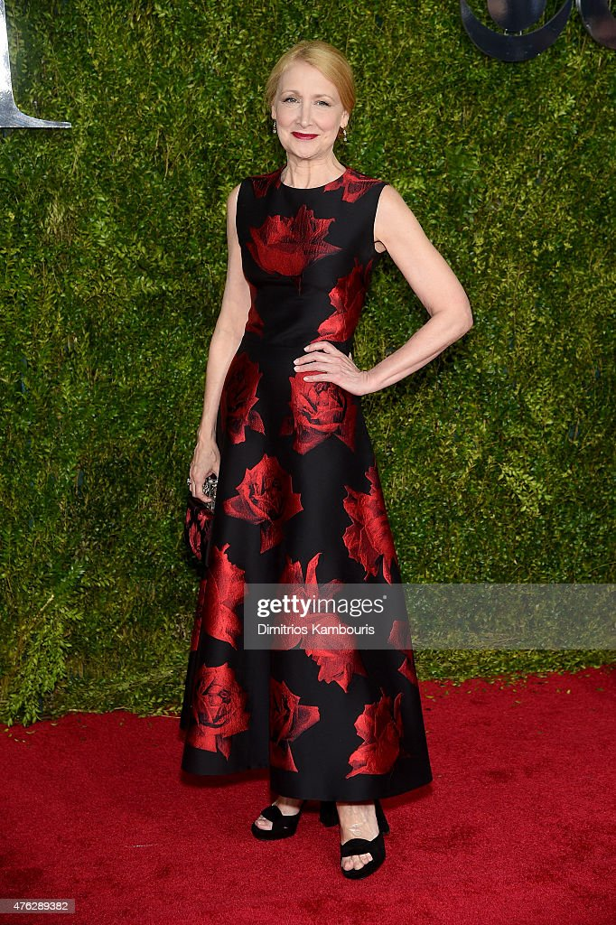 Actress <a gi-track='captionPersonalityLinkClicked' href=/galleries/search?phrase=Patricia+Clarkson&family=editorial&specificpeople=202994 ng-click='$event.stopPropagation()'>Patricia Clarkson</a> attends the 2015 Tony Awards at Radio City Music Hall on June 7, 2015 in New York City.