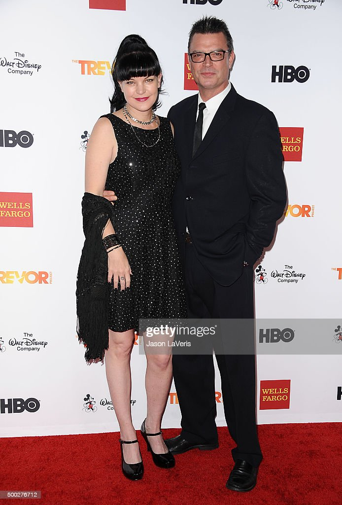 Actress <a gi-track='captionPersonalityLinkClicked' href=/galleries/search?phrase=Pauley+Perrette&family=editorial&specificpeople=625846 ng-click='$event.stopPropagation()'>Pauley Perrette</a> and Thomas Arklie attend TrevorLIVE LA 2015 at Hollywood Palladium on December 6, 2015 in Los Angeles, California.