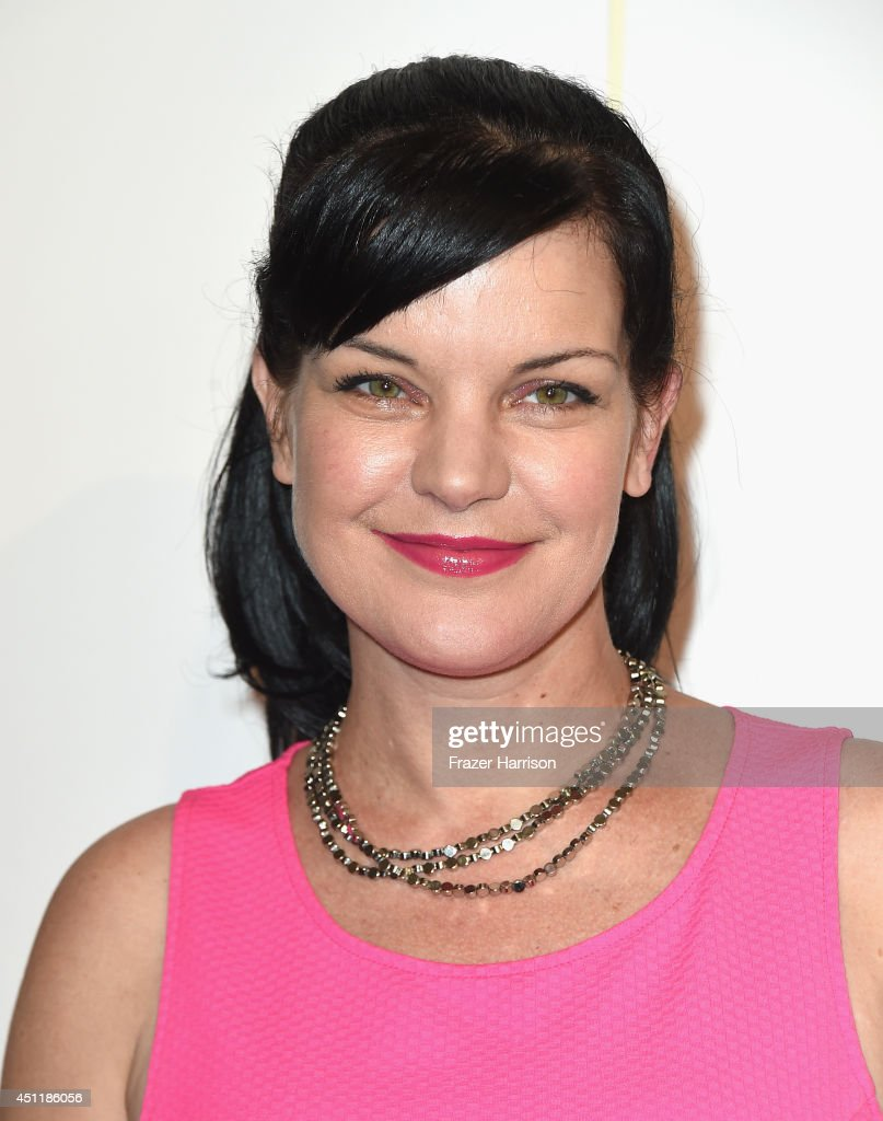 Actress <a gi-track='captionPersonalityLinkClicked' href=/galleries/search?phrase=Pauley+Perrette&family=editorial&specificpeople=625846 ng-click='$event.stopPropagation()'>Pauley Perrette</a> arrives at the 5th Annual Thirst Gala Hosted By Jennifer Garner In Partnership With Skyo And Relativity's 'Earth To Echo' at The Beverly Hilton Hotel on June 24, 2014 in Beverly Hills, California.