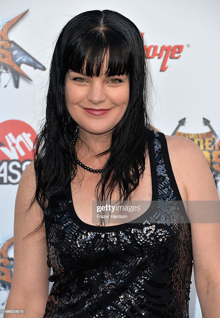 Actress <a gi-track='captionPersonalityLinkClicked' href=/galleries/search?phrase=Pauley+Perrette&family=editorial&specificpeople=625846 ng-click='$event.stopPropagation()'>Pauley Perrette</a> attends the 6th Annual Revolver Golden Gods Award Show at Club Nokia on April 23, 2014 in Los Angeles, California.