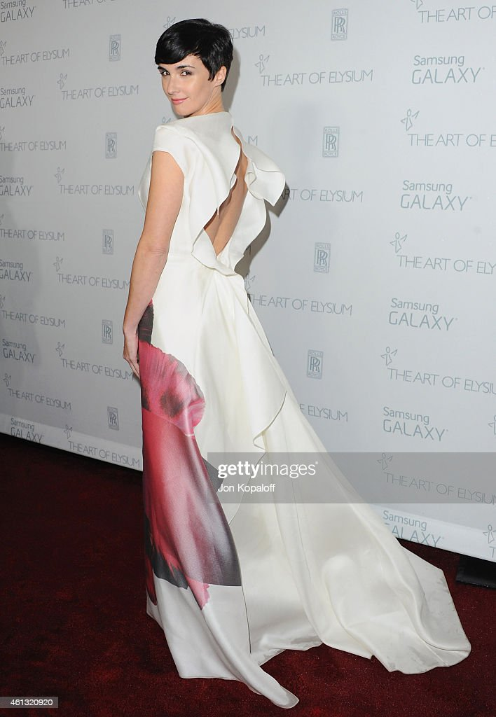 Actress <a gi-track='captionPersonalityLinkClicked' href=/galleries/search?phrase=Paz+Vega&family=editorial&specificpeople=208840 ng-click='$event.stopPropagation()'>Paz Vega</a> arrives at The Art Of Elysium 8th Annual Heaven Gala at Hangar 8 on January 10, 2015 in Santa Monica, California.