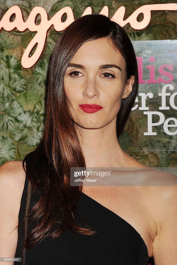 Actress <a gi-track='captionPersonalityLinkClicked' href=/galleries/search?phrase=Paz+Vega&family=editorial&specificpeople=208840 ng-click='$event.stopPropagation()'>Paz Vega</a> arrives at the Wallis Annenberg Center For The Performing Arts Inaugural Gala at Wallis Annenberg Center for the Performing Arts on October 17, 2013 in Beverly Hills, California.