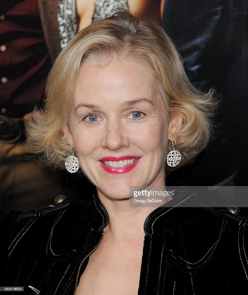 Penelope Ann Miller Nude Photos 36