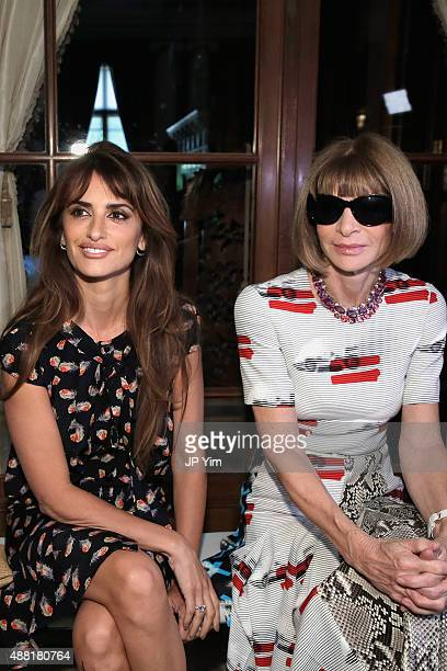 Actress Penelope Cruz and editorinchief of American Vogue Anna Wintour attend Carolina Herrera Spring 2016 during New York Fashion Week The Shows on...