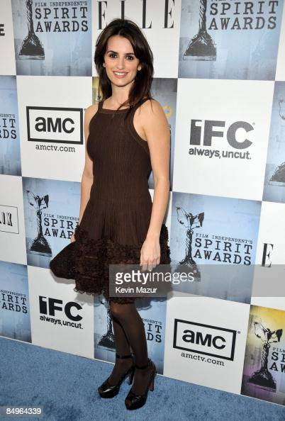 Actress Penelope Cruz arrives at Film Independent's 2009 Independent Spirit Awards held at the Santa Monica Pier on February 21 2009 in Santa Monica...