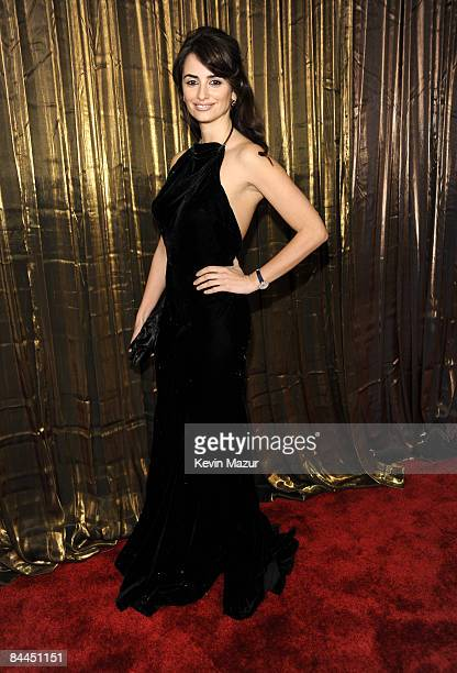 Actress Penelope Cruz arrives to the TNT/TBS broadcast of the 15th Annual Screen Actors Guild Awards at the Shrine Auditorium on January 25 2009 in...