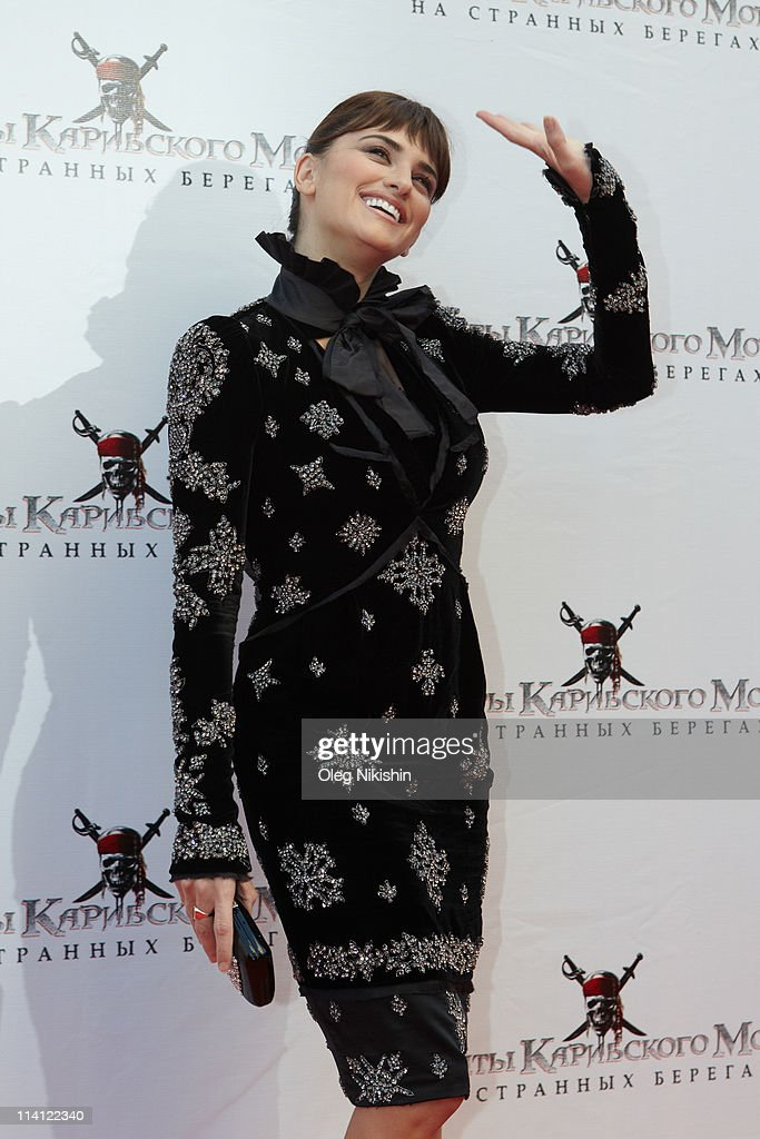Actress <a gi-track='captionPersonalityLinkClicked' href=/galleries/search?phrase=Penelope+Cruz&family=editorial&specificpeople=171775 ng-click='$event.stopPropagation()'>Penelope Cruz</a> attends at the Russian premiere of Pirates Of The Caribbean: On Stranger Tides movie on May 11, 2011 in Moscow, Russia.
