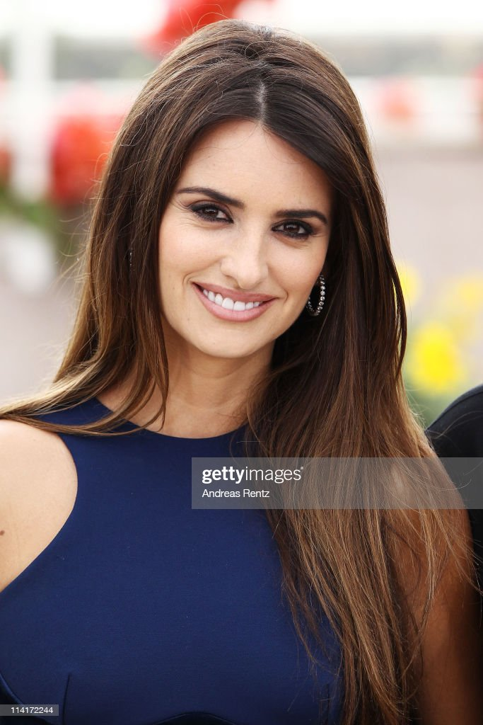 Actress <a gi-track='captionPersonalityLinkClicked' href=/galleries/search?phrase=Penelope+Cruz&family=editorial&specificpeople=171775 ng-click='$event.stopPropagation()'>Penelope Cruz</a> attends the 'Pirates of the Caribbean: On Stranger Tides' photocall at the Palais des Festivals during the 64th Cannes Film Festival on May 14, 2011 in Cannes, France.
