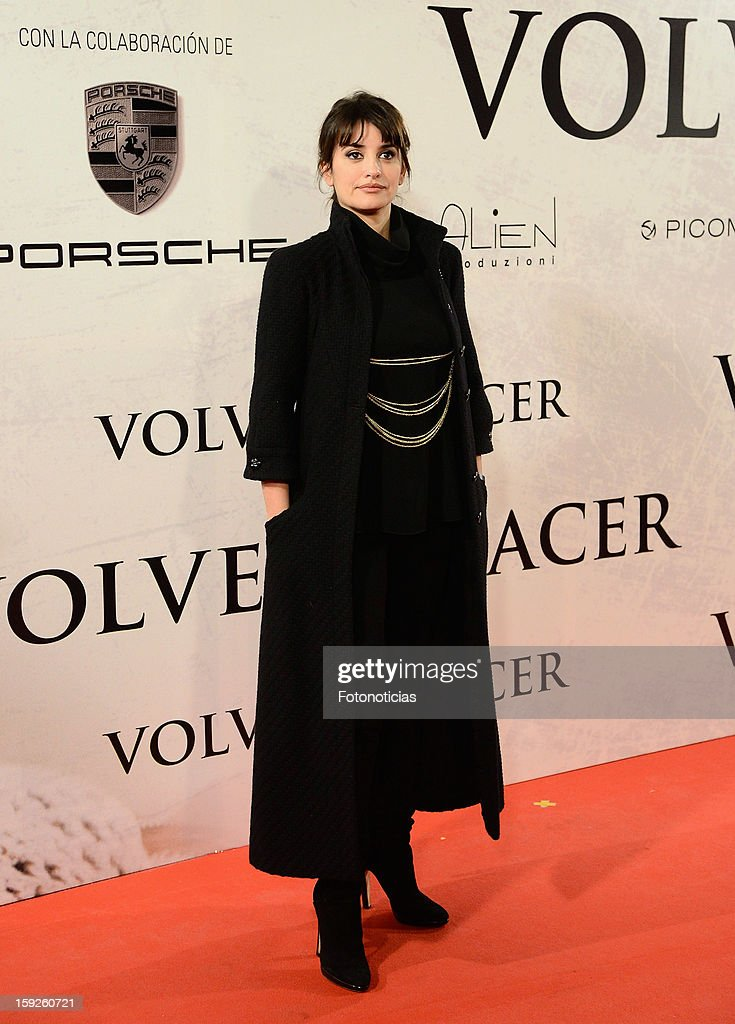 Actress <a gi-track='captionPersonalityLinkClicked' href=/galleries/search?phrase=Penelope+Cruz&family=editorial&specificpeople=171775 ng-click='$event.stopPropagation()'>Penelope Cruz</a> attends the premiere of 'Venuto al Mondo' ('Volver A Nacer') at the Capitol Cinema on January 10, 2013 in Madrid, Spain.