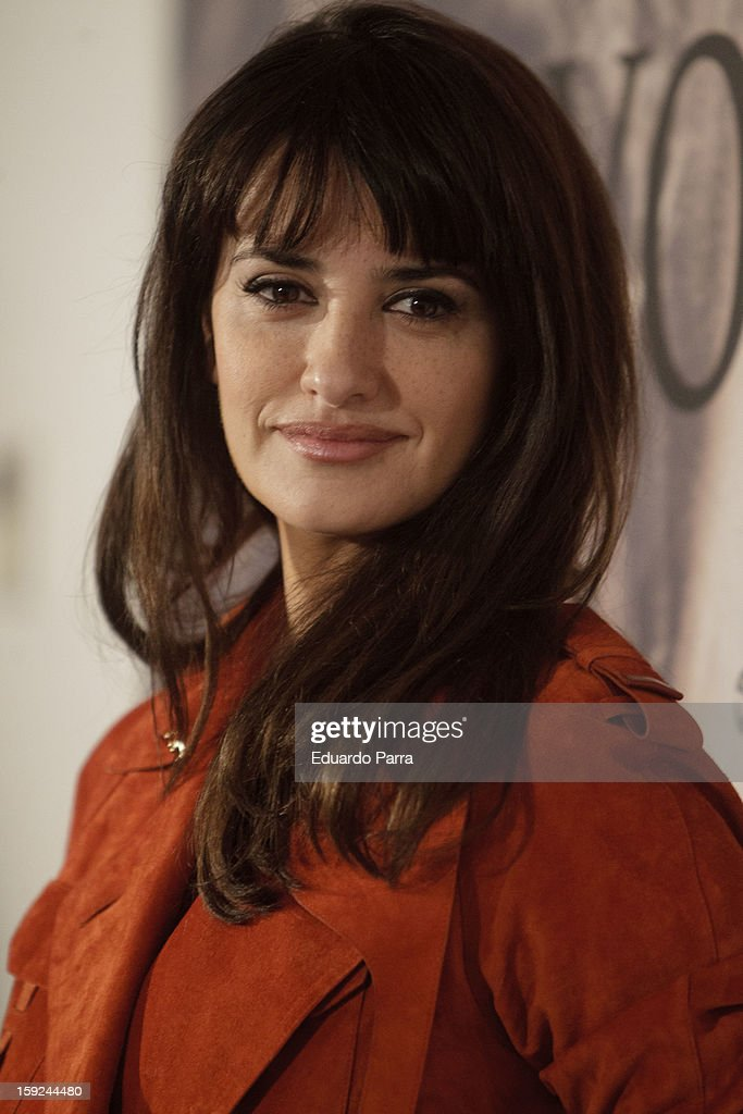 Actress <a gi-track='captionPersonalityLinkClicked' href=/galleries/search?phrase=Penelope+Cruz&family=editorial&specificpeople=171775 ng-click='$event.stopPropagation()'>Penelope Cruz</a> attends the 'Venuto al mondo' ('Volver a nacer') photocall at Santo Mauro hotel on January 10, 2013 in Madrid, Spain.