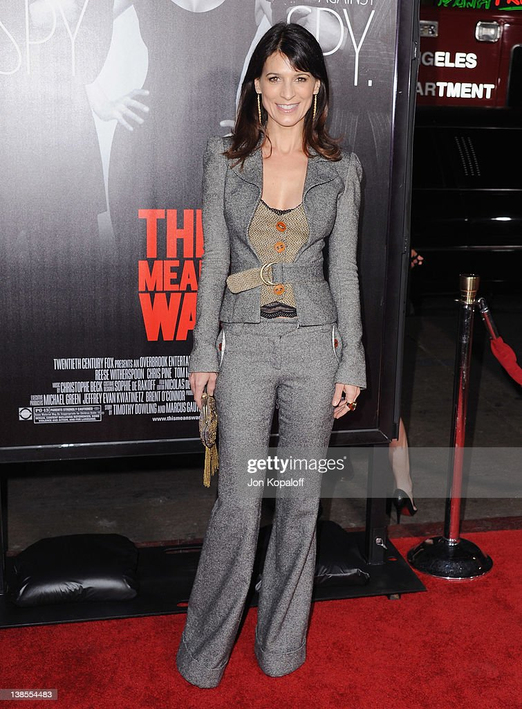 Actress Perrey Reeves arrives at the Los Angeles Premiere 'This Means War' at Grauman's Chinese Theatre on February 8, 2012 in Hollywood, California.