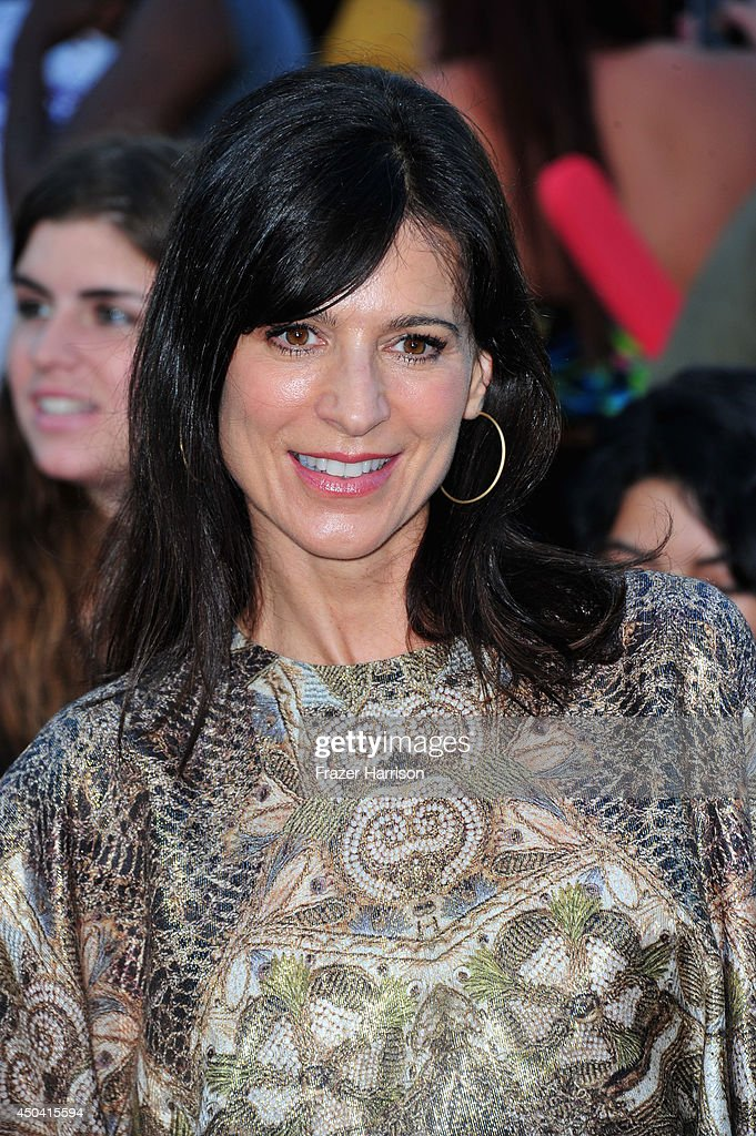 Actress <a gi-track='captionPersonalityLinkClicked' href=/galleries/search?phrase=Perrey+Reeves&family=editorial&specificpeople=537738 ng-click='$event.stopPropagation()'>Perrey Reeves</a> arrives at the Premiere Of Columbia Pictures' '22 Jump Street' at Regency Village Theatre on June 10, 2014 in Westwood, California.