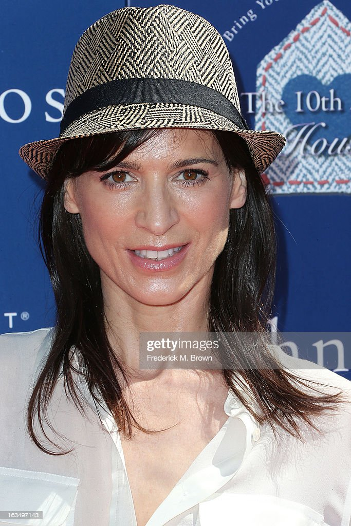 Actress Perrey Reeves attends John Varvatos 10th Annual Stuart House Benefit Presented by Chrysler, at John Varvatos Los Angeles on March 10, 2013 in Los Angeles, California.