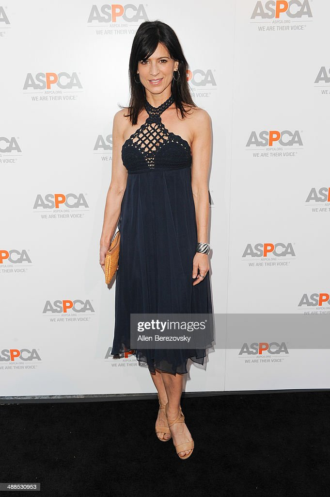 Actress Perrey Reeves attends the American Society for the Prevention of Cruelty to Animals celebrity cocktail party on May 6, 2014 in Beverly Hills, California.