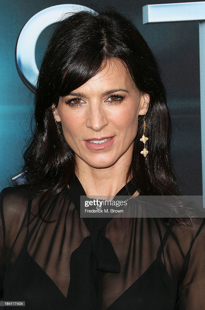 Actress Perrey Reeves attends the Premiere of Open Roads Films 'The Host' at the ArcLight Cinemas Cinerama Dome on March 19, 2013 in Hollywood, California.