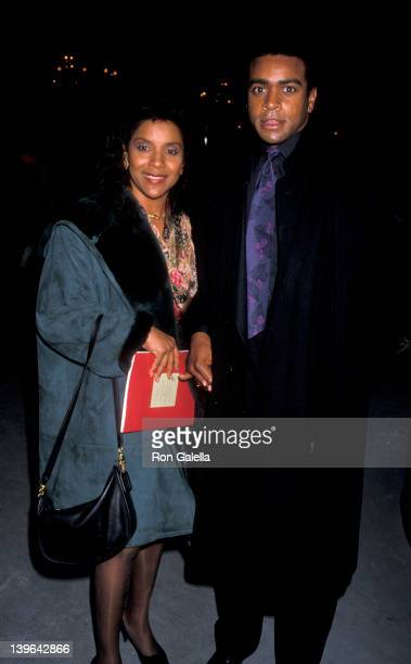 Actress Phylicia Rashad and sportscaster Ahmad Rashad attending the premiere of 'Blaze' on December 13 1989 at the Ziegfeld Theater in New York City...