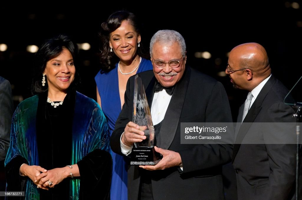 Actress Phylicia Rashad, Marian Anderson Board Chair Pamela Browner White, Honoree Actor James Earl Jones and Philadelphia Mayor and president of the United States Conference of Mayors Michael Nutter attend the 2012 Marian Anderson awards gala at Kimmel Center for the Performing Arts on November 19, 2012 in Philadelphia, Pennsylvania.