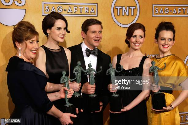 Actress Phyllis Logan actress Michelle Dockery actpr Allen Leech actress Amy Nutall and actress Sophie McSheara pose in the press room during the...