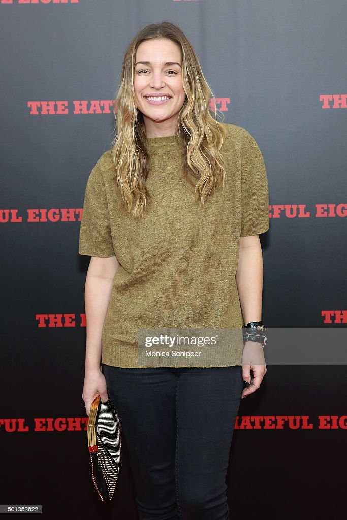 Actress <a gi-track='captionPersonalityLinkClicked' href=/galleries/search?phrase=Piper+Perabo&family=editorial&specificpeople=240107 ng-click='$event.stopPropagation()'>Piper Perabo</a> attends the The New York Premiere Of 'The Hateful Eight' on December 14, 2015 in New York City.