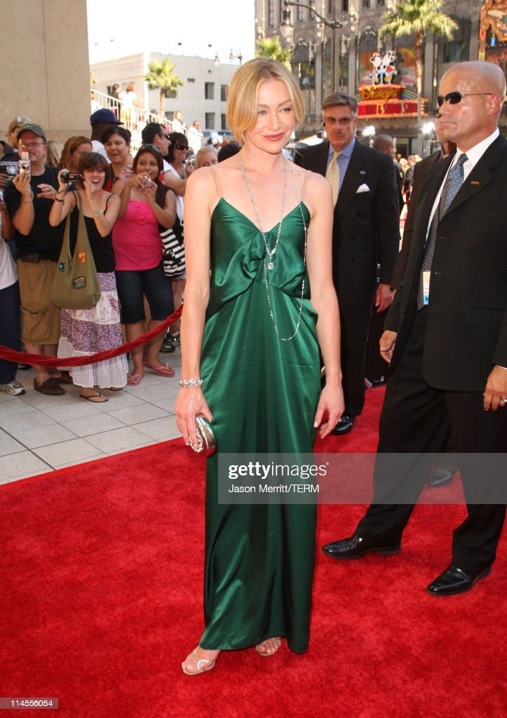Actress <a gi-track='captionPersonalityLinkClicked' href=/galleries/search?phrase=Portia+de+Rossi&family=editorial&specificpeople=204197 ng-click='$event.stopPropagation()'>Portia de Rossi</a> arrives to The 35th Annual Daytime Emmy Awards at the Kodak Theatre on June 20, 2008 in Los Angeles, California.