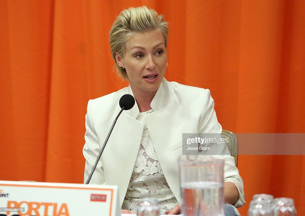 Actress <a gi-track='captionPersonalityLinkClicked' href=/galleries/search?phrase=Portia+de+Rossi&family=editorial&specificpeople=204197 ng-click='$event.stopPropagation()'>Portia de Rossi</a> attends The Netflix Original Series 'Arrested Development' Press Conference at Sheraton Universal on May 4, 2013 in Universal City, California.
