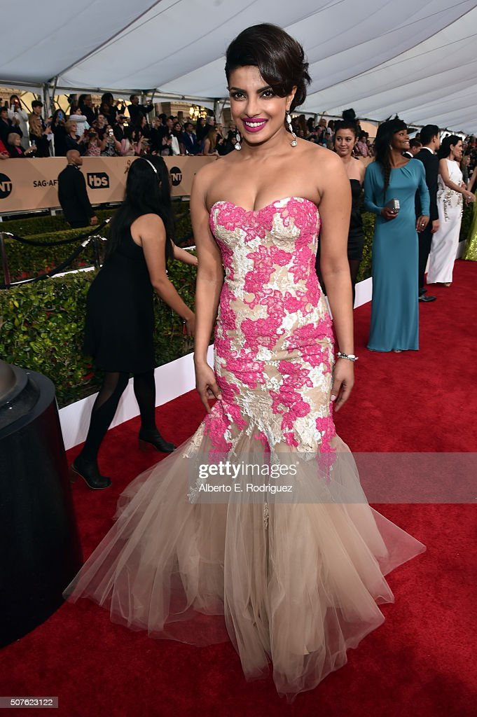 Actress <a gi-track='captionPersonalityLinkClicked' href=/galleries/search?phrase=Priyanka+Chopra&family=editorial&specificpeople=228954 ng-click='$event.stopPropagation()'>Priyanka Chopra</a> attends the 22nd Annual Screen Actors Guild Awards at The Shrine Auditorium on January 30, 2016 in Los Angeles, California.
