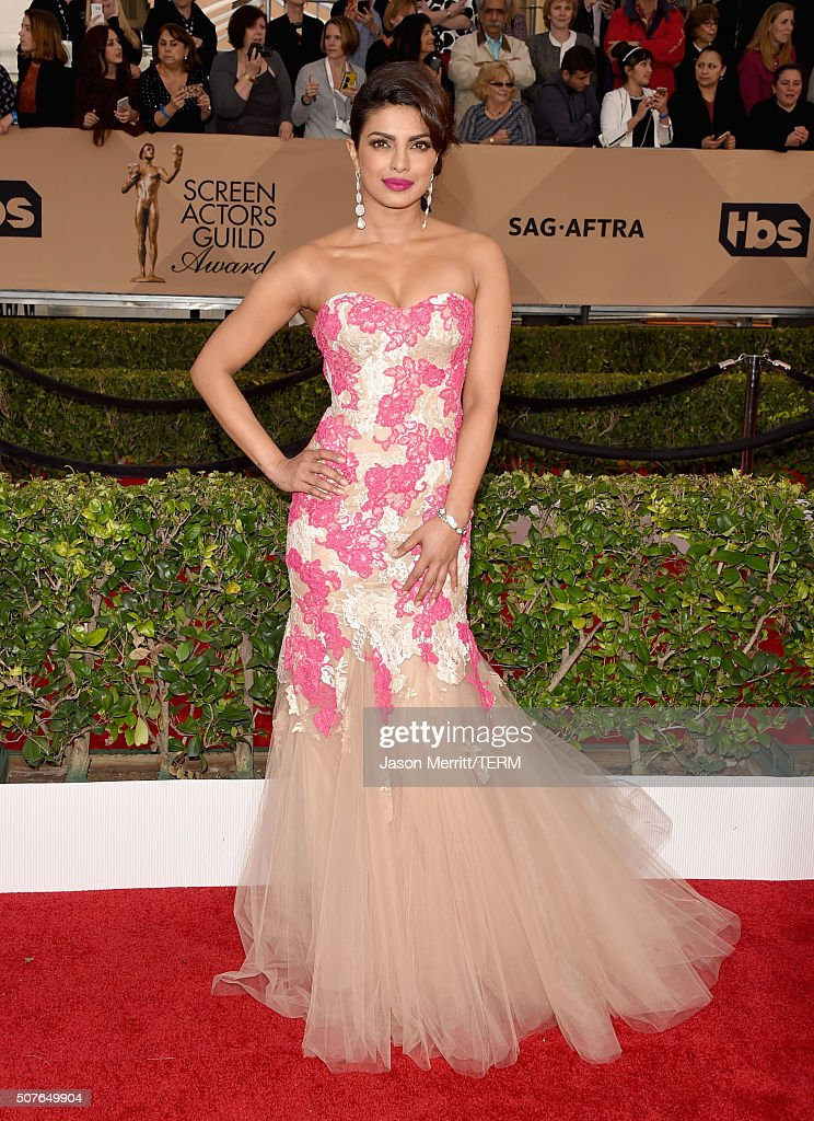 Actress <a gi-track='captionPersonalityLinkClicked' href=/galleries/search?phrase=Priyanka+Chopra&family=editorial&specificpeople=228954 ng-click='$event.stopPropagation()'>Priyanka Chopra</a> attends The 22nd Annual Screen Actors Guild Awards at The Shrine Auditorium on January 30, 2016 in Los Angeles, California. 25650_015