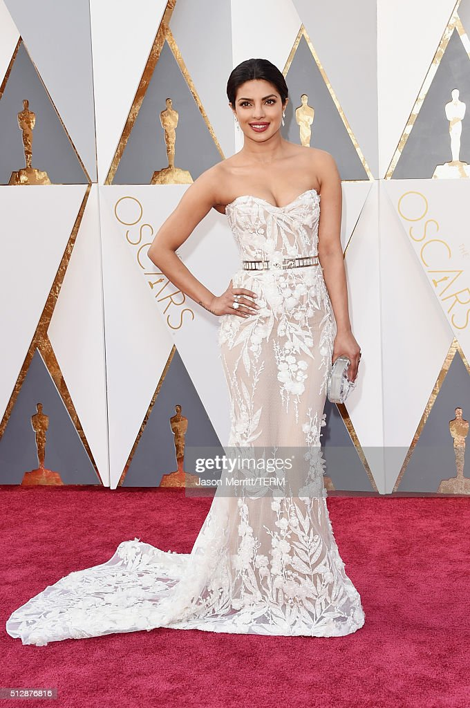 Actress <a gi-track='captionPersonalityLinkClicked' href=/galleries/search?phrase=Priyanka+Chopra&family=editorial&specificpeople=228954 ng-click='$event.stopPropagation()'>Priyanka Chopra</a> attends the 88th Annual Academy Awards at Hollywood & Highland Center on February 28, 2016 in Hollywood, California.