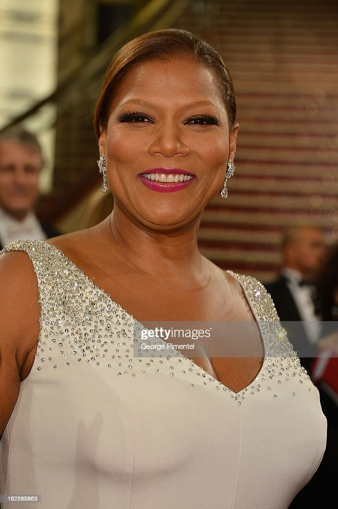 Actress Queen Latifah arrives at the Oscars at Hollywood & Highland Center on February 24, 2013 in Hollywood, California.