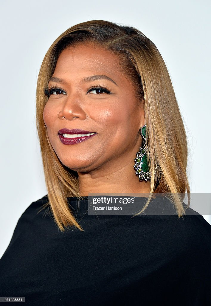 Actress <a gi-track='captionPersonalityLinkClicked' href=/galleries/search?phrase=Queen+Latifah&family=editorial&specificpeople=171793 ng-click='$event.stopPropagation()'>Queen Latifah</a> attends The 40th Annual People's Choice Awards at Nokia Theatre L.A. Live on January 8, 2014 in Los Angeles, California.