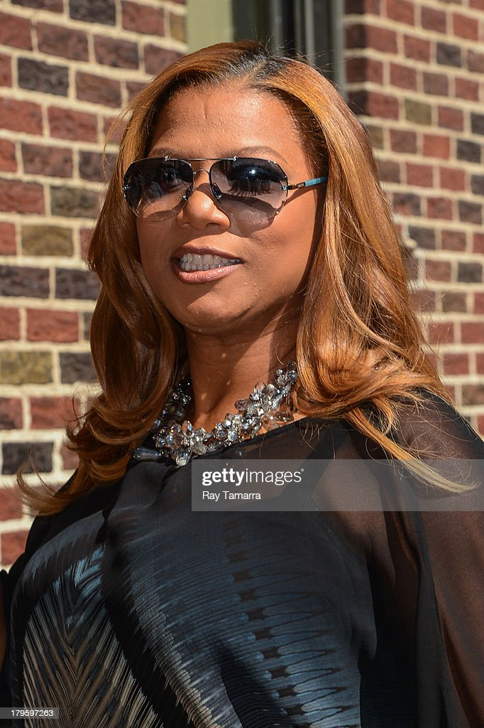 Actress <a gi-track='captionPersonalityLinkClicked' href=/galleries/search?phrase=Queen+Latifah&family=editorial&specificpeople=171793 ng-click='$event.stopPropagation()'>Queen Latifah</a> enters the 'Late Show With David Letterman' taping at the Ed Sullivan Theater on September 5, 2013 in New York City.