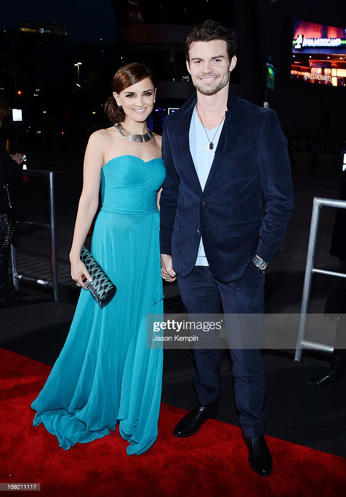 Actress Rachael Leigh Cook and husband Daniel Gillies attends the 39th Annual People's Choice Awards at Nokia Theatre L.A. Live on January 9, 2013 in Los Angeles, California.