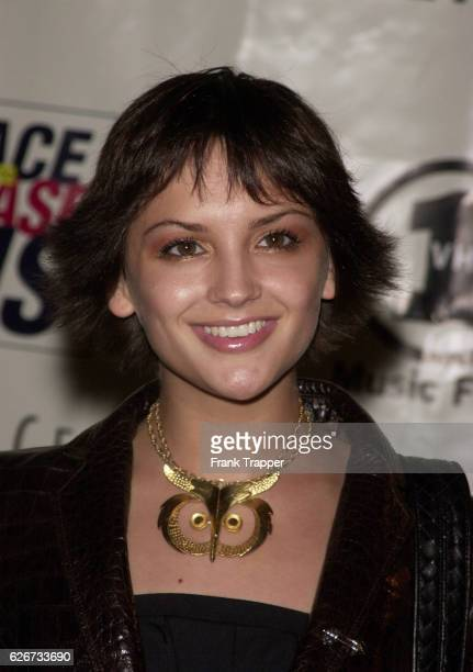 Actress Rachael Leigh Cook arrives at the 8th annual Race to Erase MS gala 'Rock and Soul to Erase MS' The event was sponsored by Tommy Hilfinger and...