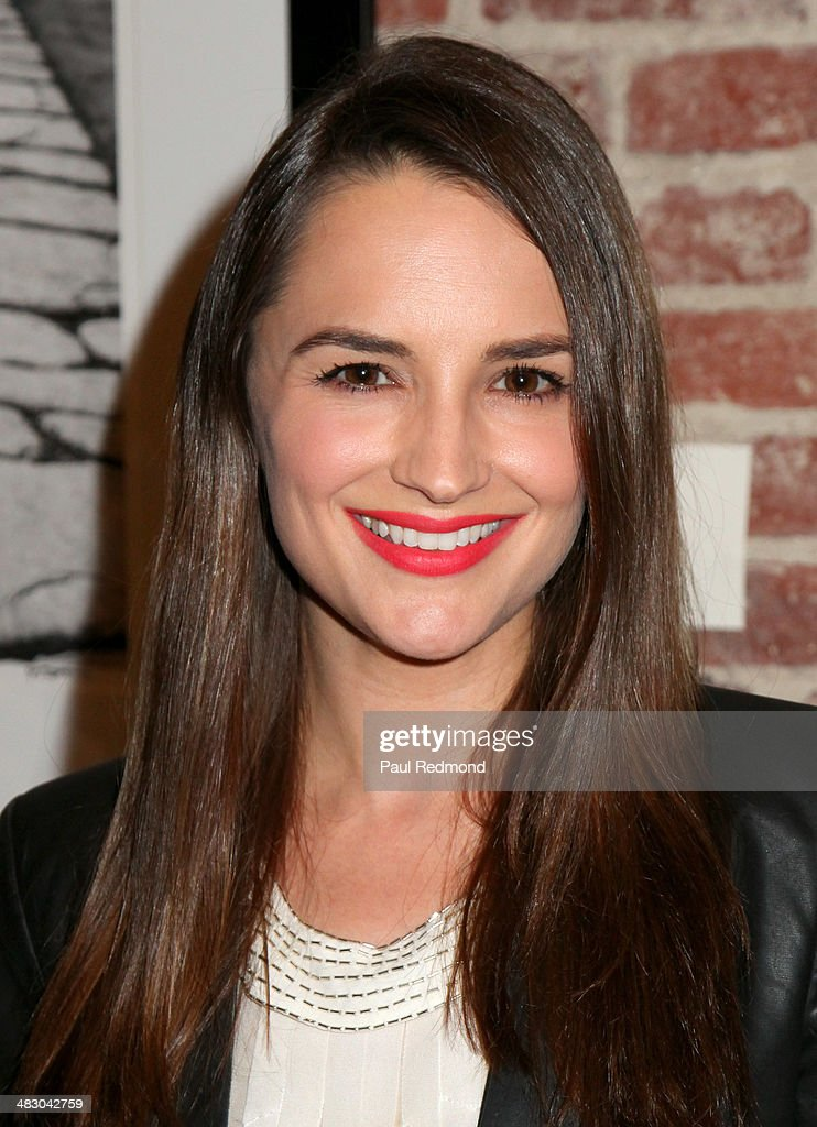 Actress <a gi-track='captionPersonalityLinkClicked' href=/galleries/search?phrase=Rachael+Leigh+Cook&family=editorial&specificpeople=208121 ng-click='$event.stopPropagation()'>Rachael Leigh Cook</a> attends the 'Jennie Garth: Awake' opening night artist reception at Project Gallery on April 5, 2014 in Hollywood, California.