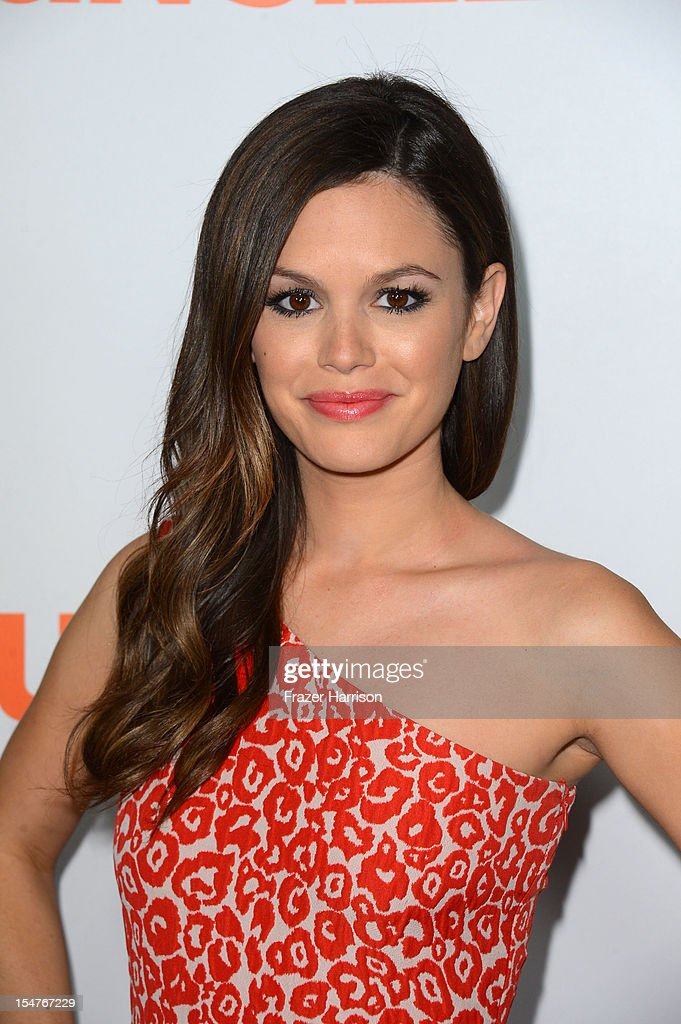 Actress <a gi-track='captionPersonalityLinkClicked' href=/galleries/search?phrase=Rachel+Bilson&family=editorial&specificpeople=202655 ng-click='$event.stopPropagation()'>Rachel Bilson</a> arrives at the Premiere of Paramount Pictures' 'Fun Size' at Paramount Theater on the Paramount Studios lot on October 25, 2012 in Hollywood, California.