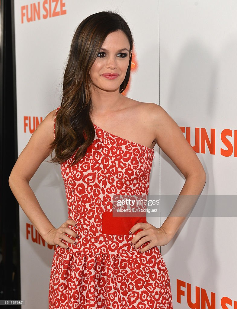 Actress Rachel Bilson arrives to the premiere of Paramount Pictures' 'Fun Size' at Paramount Theater on the Paramount Studios lot on October 25, 2012 in Hollywood, California.