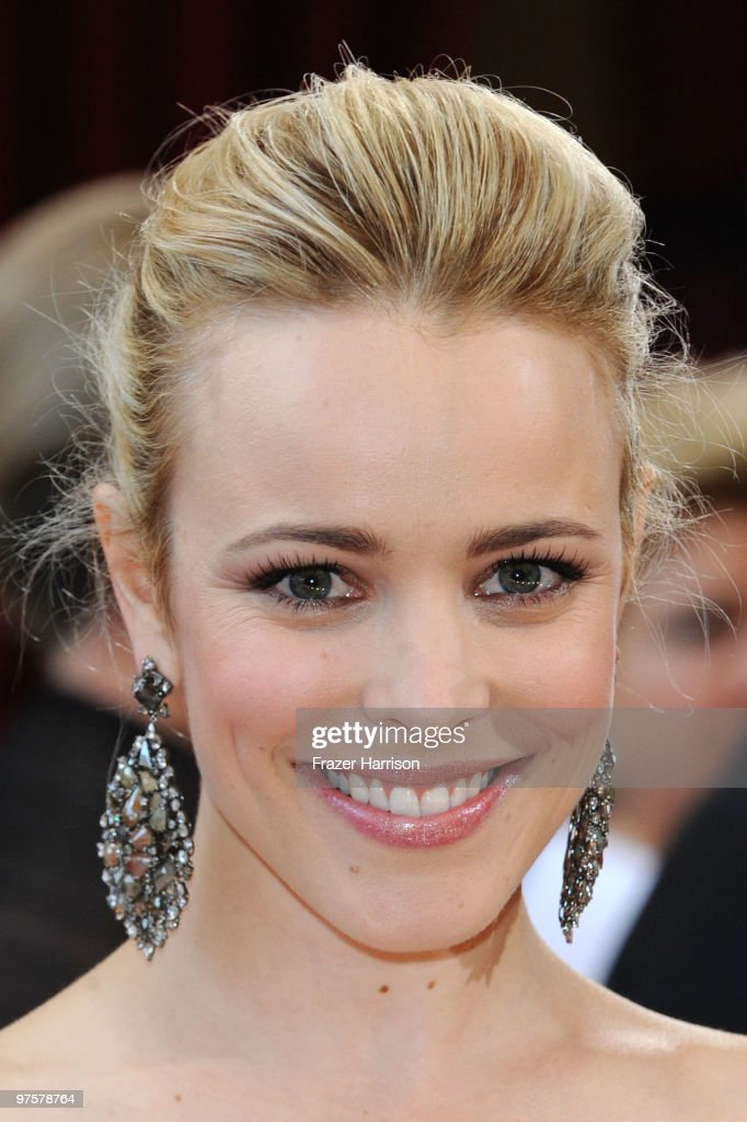 Actress <a gi-track='captionPersonalityLinkClicked' href=/galleries/search?phrase=Rachel+McAdams&family=editorial&specificpeople=212942 ng-click='$event.stopPropagation()'>Rachel McAdams</a> arrives at the 82nd Annual Academy Awards held at Kodak Theatre on March 7, 2010 in Hollywood, California.