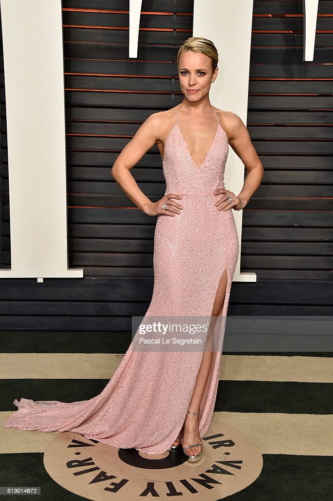 Actress Rachel McAdams attends the 2016 Vanity Fair Oscar Party Hosted By Graydon Carter at the Wallis Annenberg Center for the Performing Arts on...