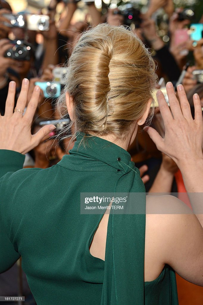 Actress <a gi-track='captionPersonalityLinkClicked' href=/galleries/search?phrase=Rachel+McAdams&family=editorial&specificpeople=212942 ng-click='$event.stopPropagation()'>Rachel McAdams</a> attends the 'To The Wonder' premiere during the 2012 Toronto International Film Festival at the Princess of Wales Theatre on September 10, 2012 in Toronto, Canada.