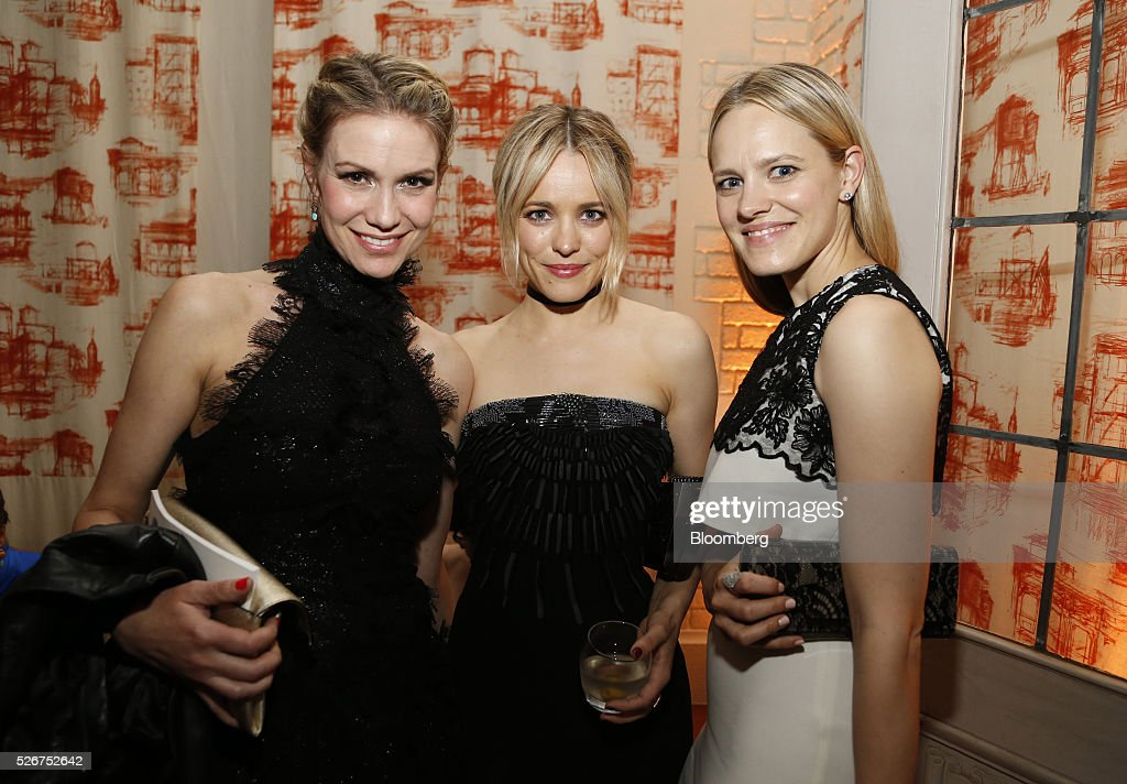 Actress Rachel McAdams, center, attends the Bloomberg Vanity Fair White House Correspondents' Association (WHCA) dinner afterparty in Washington, D.C., U.S., on Saturday, April 30, 2016. The 102nd WHCA raises money for scholarships and honors the recipients of the organization's journalism awards. Photographer: Andrew Harrer/Bloomberg via Getty Images