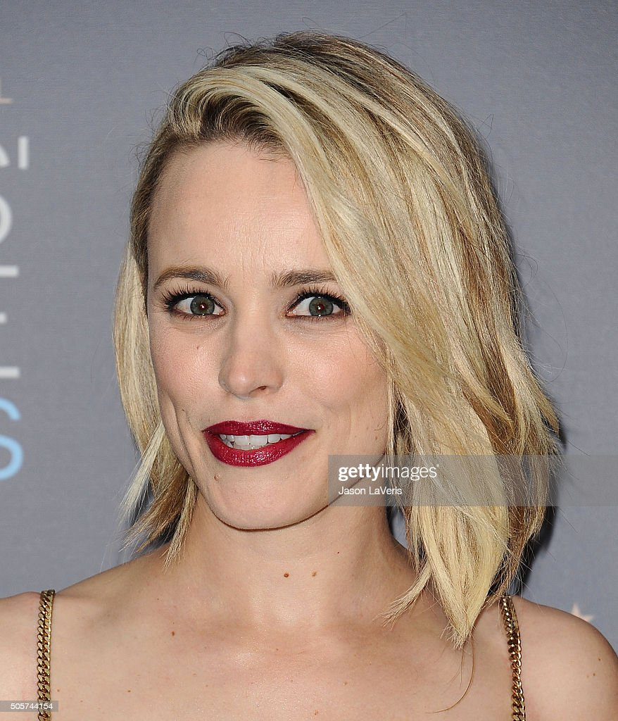 Actress Rachel McAdams poses in the press room at the 21st annual Critics' Choice Awards at Barker Hangar on January 17, 2016 in Santa Monica, California.