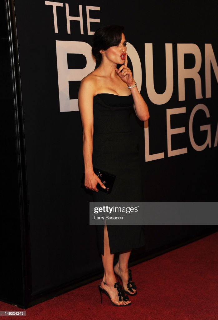 Actress Rachel Weisz attends 'The Bourne Legacy' premiere at the Ziegfeld Theater on July 30, 2012 in New York City.